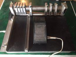 Електричний Станок для порізки самоклеючий етикеток. ( Різальний )