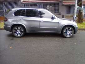 2012 BMW X5, automatic, leather seat, sun roof, 150,000km, diesel
