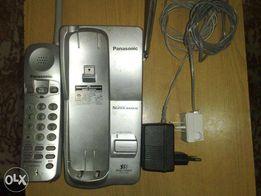 Настольный радиотелефон Panasonic с базой и блоком питания