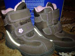 Ботинки для девочки фирмы TCHIBO