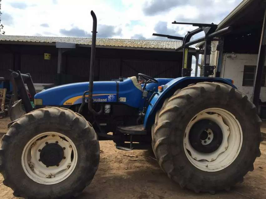 New Holland TD90 tractor 4x4 0
