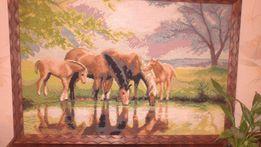 Картина кони ручная работа подарок вышивка лошади у водопоя