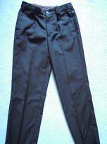 Черные школьные брюки для мальчика (рост - 140, пояс - 32)