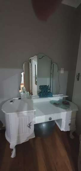 Ball and claw imbuia dressing table