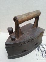 Антикварный Коллекционный утюг на углях с клеймом производителя