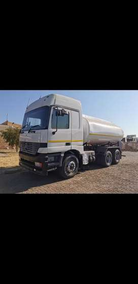 Mercedes Benz Water Tanker