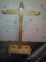 Напольная деревянная вешалка