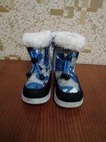 Зимние сапожки, размер 23.