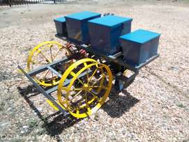 2 Row Maize Planter / Mielie planter