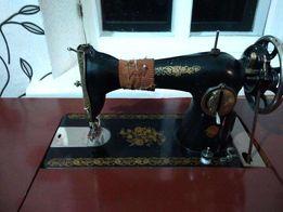 Продается Швейная машинка