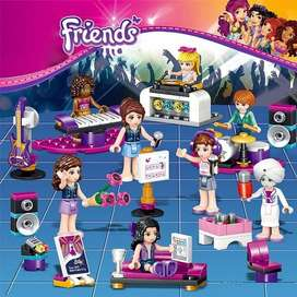 8 In 1 Friends Band Set Block Figures