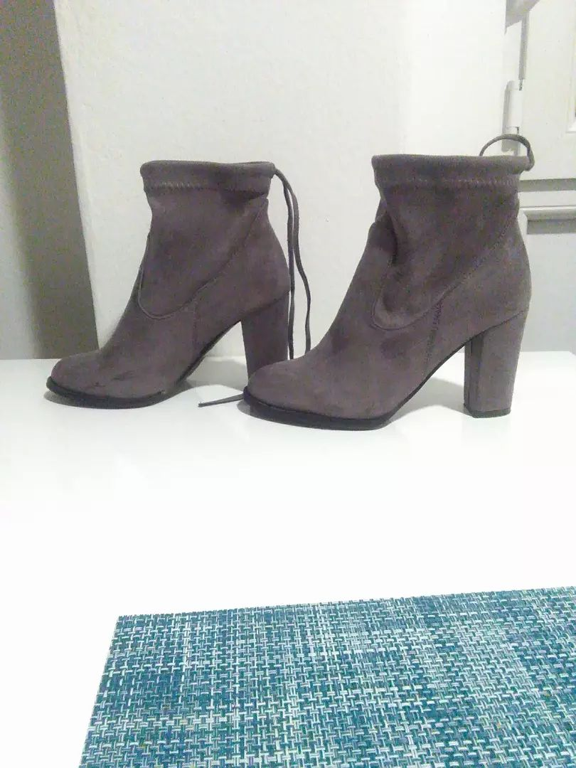 Roberto ženske čizme, 37 broj 0