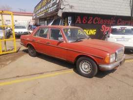 Stripping Mercedes W123 200