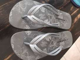 Size 3 sandals ( woolworths)