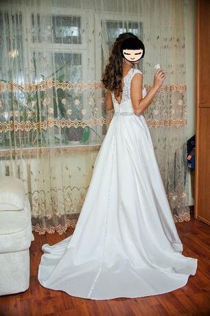 Шикарное атласное платье жемчужного цвета Киев - изображение 5