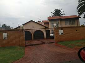 5 BEDROOM DOUBLE STORY FOR SALE IN WITFIELD