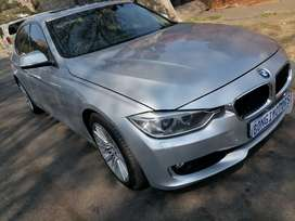 BMW F30 320i WITH SUN ROOF IN EXCELLENT CONDITION