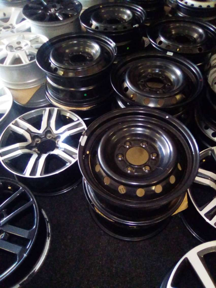 """16"""" and 17""""Steel rims for Ford Ranger and Toyota hilux/fortuner spare 0"""