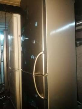 Lg frost  free fridge  refurbished  perfect working currently  in use