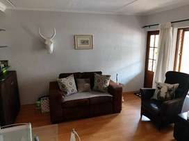 1 Bed Flat. Available 1 Feb. R 6 300 excluding Water and Lights.
