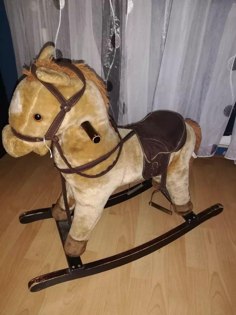 Dječji konjić 0