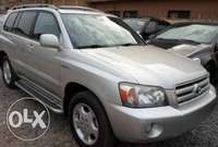 Clean Toyota Highlander for sale 0