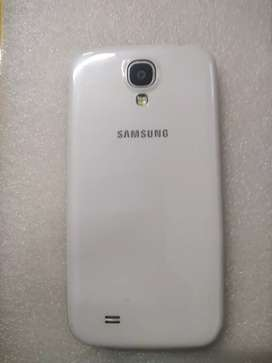 Samsung galaxy S4 32gb in like new condition R850 Overport call