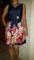 Piękna sukienka w kwiaty granatowa, zwiewna lekka na lato