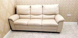 Продам кожаный диван для гостиной