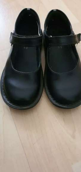 Woolworths walkmates size 12