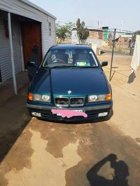Bmw 328 on sale comes with sunroof, interior still in good condition