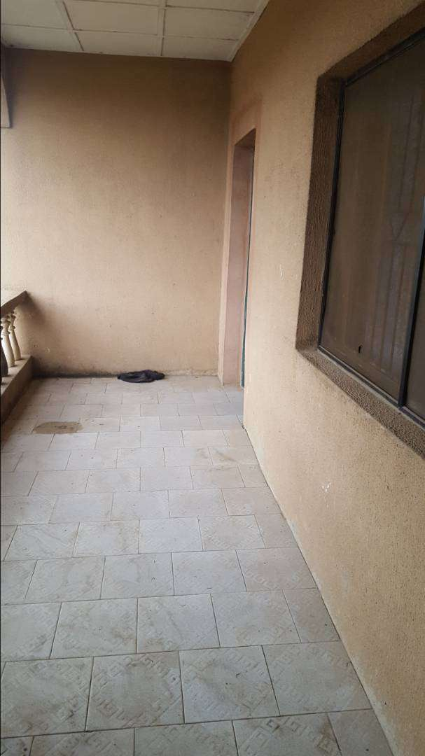 2 bedroom flat to let in Yawahab estate Arepo 0