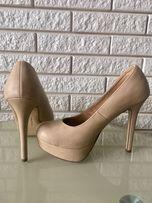 Туфлі жіночі шпилька лодочка взуття