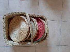 Woven picknick basket and woven plates