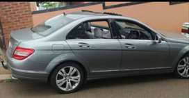 Mercedes Benz c350 avantgarde lady owner with sunroof light on fuel
