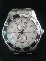 Zegarek z datownikiem TF.