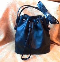 Вместительная черная сумка !