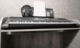 Продам новую деревянную подставку под синтезатор на 5 октав