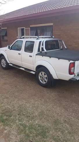 Am selling my bakkie Nissan hardbody 2.4
