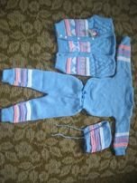 Костюм-четверка новый детский штаны,свитер,жилет,шапка для мальчиков и