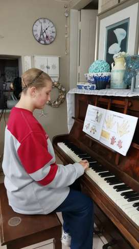 Piano lessons for beginners by Oxford University Graduate