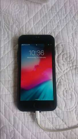 Iphone 6 - superb condition