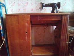 Швейная машинка+письменный стол