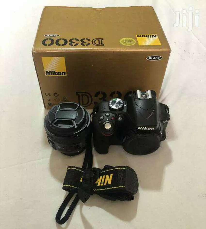 Nikon D3300 and yongnuo 35mm for sale 0