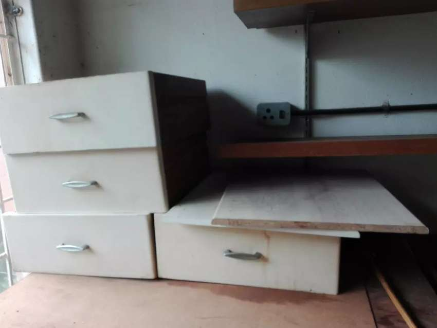 4x wooden drawers 0