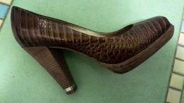 Коричневые туфли Dumond Бразилия, надеты раз, без дефектов шоколад