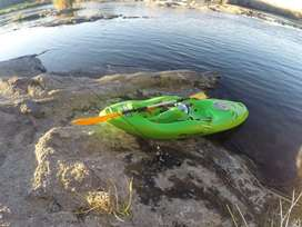 Fluid WHITEWATER Kayak DO IT NOW