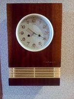 """Настенные часы с получасовым и часовым боем"""" ЯНТАРЬ""""."""