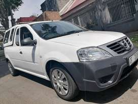 NISSAN NP200 BAKKIE IN EXCELLENT CONDITION WITH CANOPY