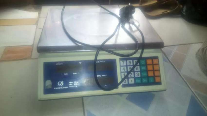 Electronic weighing scale 0